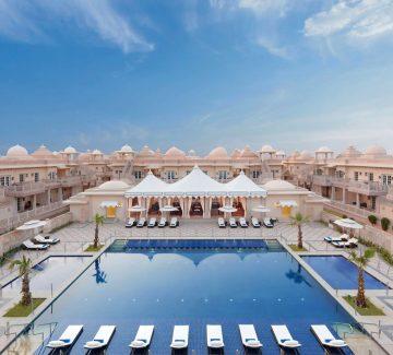 ITC Grand Bharat - Área de piscina