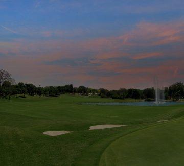 ITC Grand Bharat - Campo de Golf al anochecer