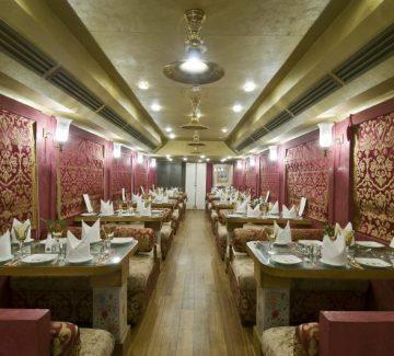 Royal Rajasthan sobre ruedas - Cena de lujo