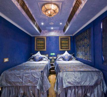 Royal Rajasthan sobre ruedas - Deluxe Saloon Sapphire