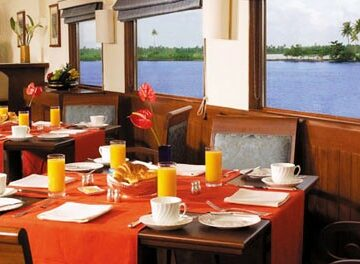The Oberoi Motor Vessel Vrinda - Restaurante
